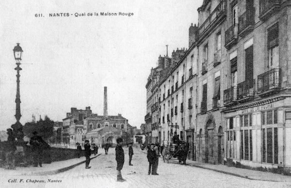 Maison rouge allée (autrefois quai Montcalm)
